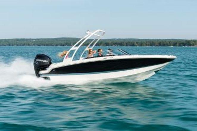 Outboard and sterndrive HD 200 - photo © Beneteau
