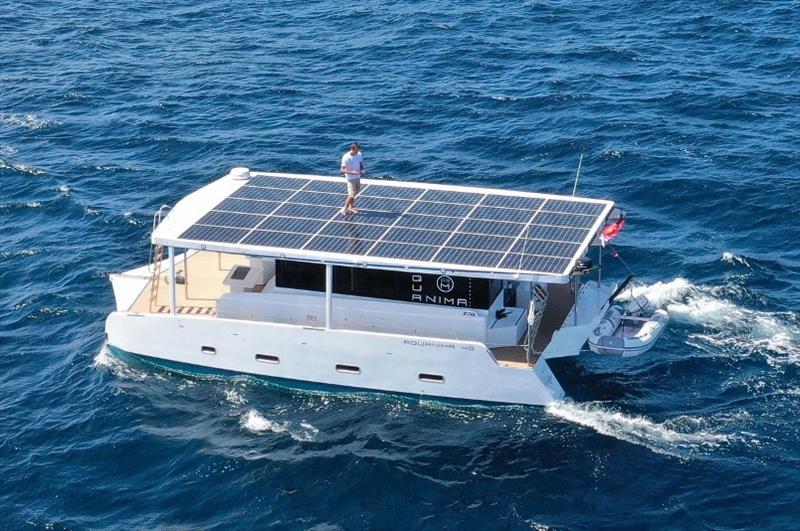 Le yacht à énergie solaire Aquanima 40 prouve une autonomie illimitée sur l'énergie solaire uniquement