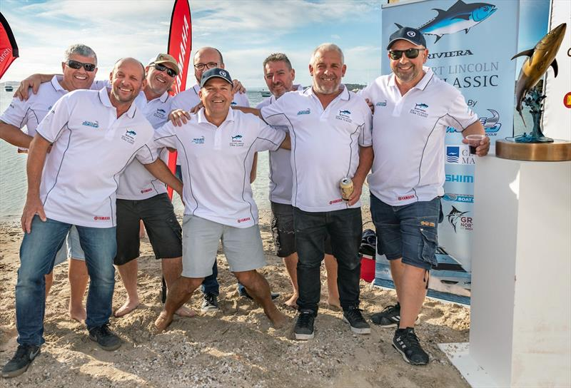 There's no shortage of camaraderie after competition as event organiser Russel Bianco (centre) gets together with the crews from OSeaD and Popeye who participated in the Riviera Port Lincoln Tuna Classic - photo © Riviera Studio