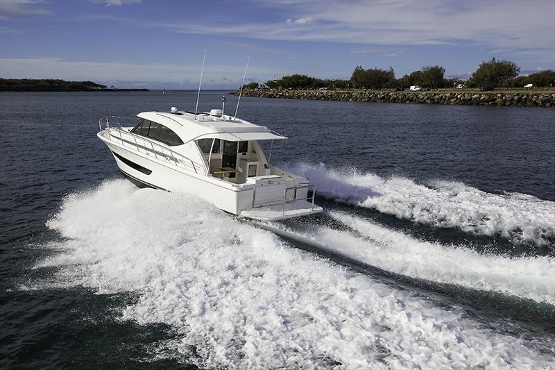 Making for the Gold Coast Seaway and the Pacific at large. Riviera's 395 SUV is a great coastal cruiser and will so at speed. - photo © John Curnow