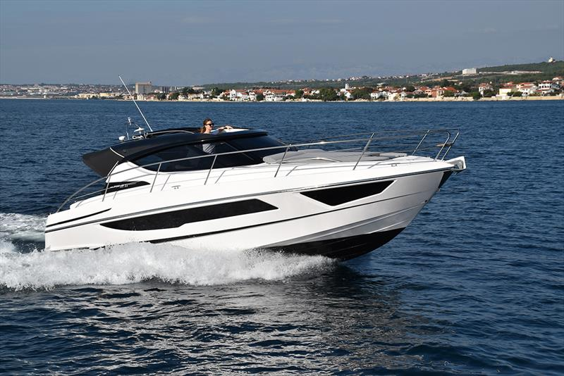Focus Power 33 - photo © Focus Motoryachts