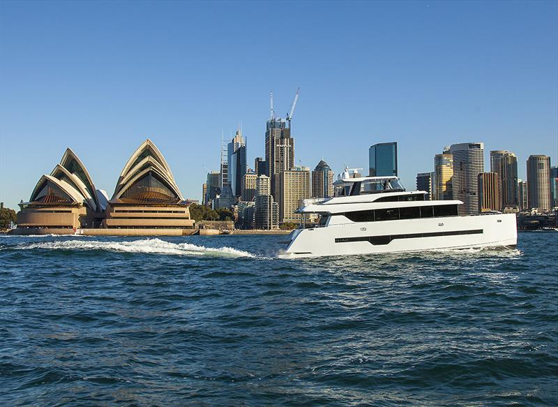 The ILIAD 70 slides effortlessly past the Sydney Opera House - photo © John Curnow