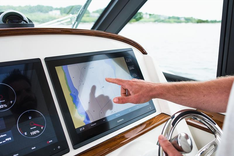 "Garmin 8617 17"" HD anti-glare touch displays - photo © Cate Brown"