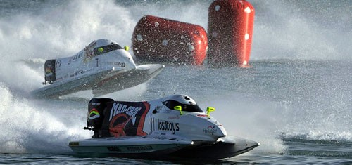 Sami Selio of Finland of Mad Croc Team at UIM F1 H20 Powerboat Grand Prix of Qatar in the Doha Corniche.<br />  &copy; Paul Lakatos - Ideas Marketing