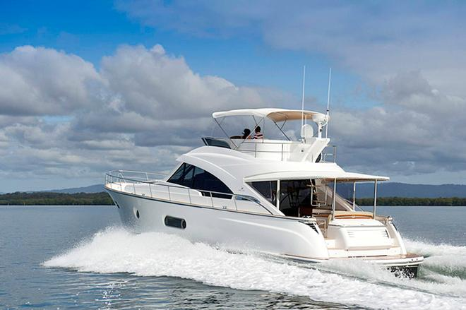 Sleek and curvaceous = stylish - Belize 54 Daybridge © Riviera . http://www.riviera.com.au