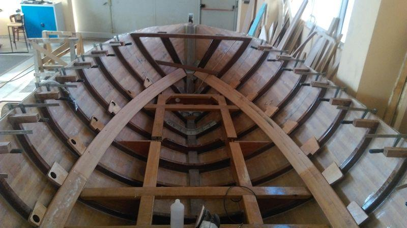 This is how the two inner stringers sits inside the hull - photo © WSI